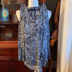 Black and whit paisley sleeveless blouse